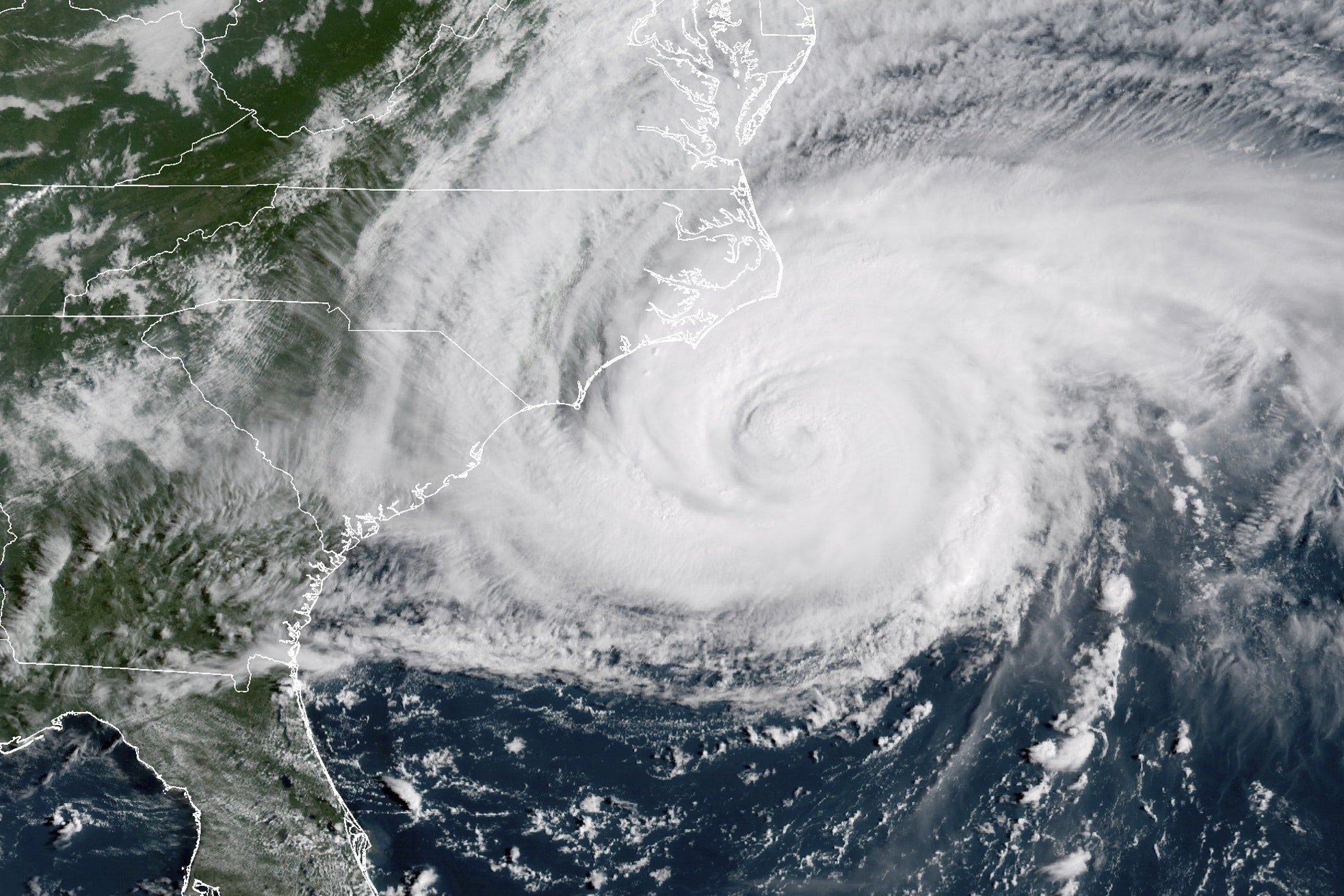 Hurricane Florence: Over 188000 without power as monster storm batters Carolinas